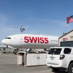 HB-JNJ, the tenth Boeing 777 of Swiss