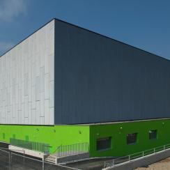 ICT location: datacenters, large pool of specialists © green.ch