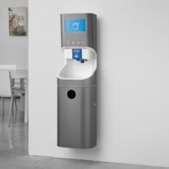 System for hand washing works contact-free