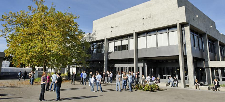 Campus Rosenberg (here the main building) has become too small. Image: University of St.Gallen