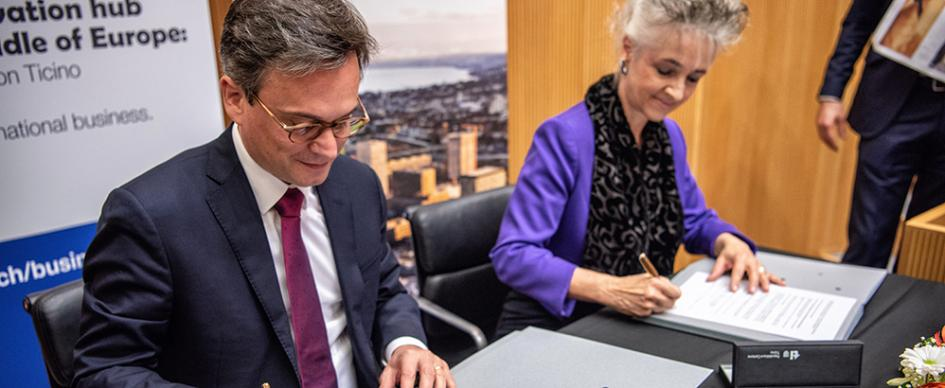 The canton of Ticino joins Greater Zurich Area. Councillor of State for Ticino Christian Vitta and Councillor of State for Zurich Carmen Walker Späh, Chairman of the Board of Trustees of Greater Zurich Area, signed the accession agreement. Image Credit: GZA