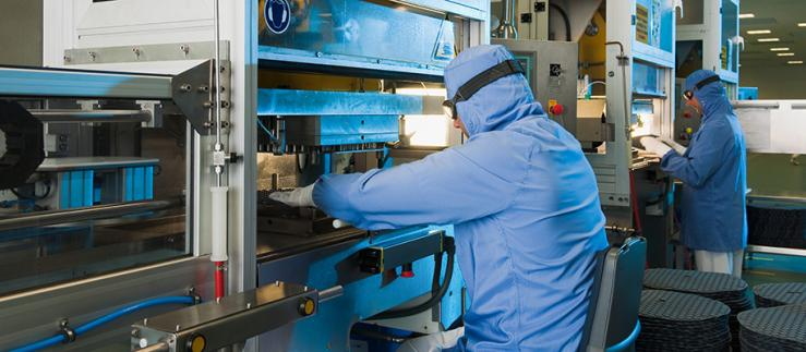 In the FirstLine production the elastomeric components are manufactured in clean room conditions. Image Credit: Dätwyler