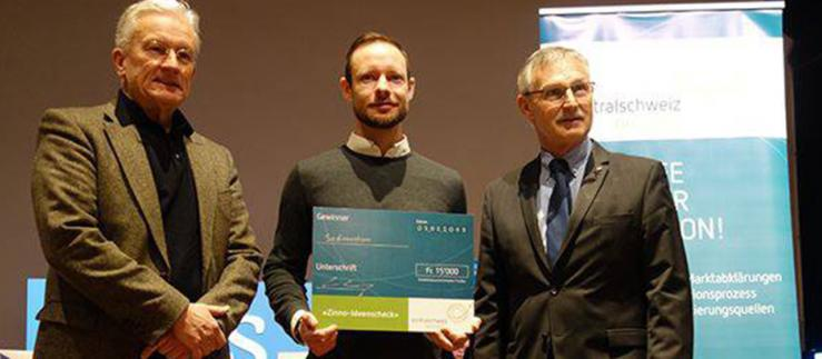Andreas Barraud, member of Canton Schwyz State Council (right) with Immanuel Zerbini from Sedimentum and Bruno Imhof from zentralschweiz innovativ (left).