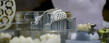 Jaw implant from the 3D printer: The new Swiss m4m Center wants to bring additive manufacturing for medical technology to Swiss industry. Image: Marina Skoropadskaya, iStockphoto